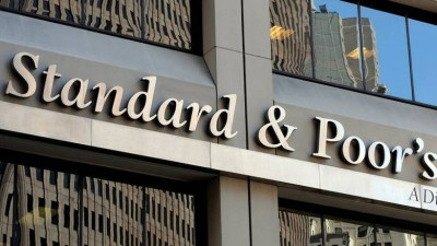 S&P: Αναβάθμιση τριών εκ των τεσσάρων συστημικών τραπεζών