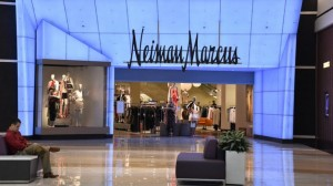 Reuters: Προ των πυλών χρεοκοπία για Neiman Marcus